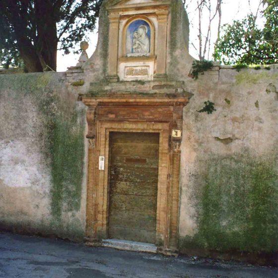 Trevi - Trevi, via delle Grotte villa Fabbri [TRE050]
