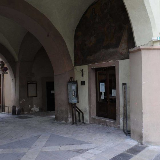 Trevi - Trevi, via Roma palazzo comunale [TRE059]