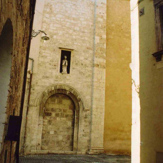 Trevi - Trevi, via della Rocca «Sant'Emiliano» [TRE066]