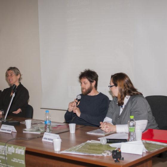 18 aprile 2015. Spoleto, palazzo Mauri. Presentazione 'Itinerari nella storia'. Relaziona Roberto Orsini, tra Maria Romana Picuti (a sinistra) e Lucia Bertoglio (in primo piano)